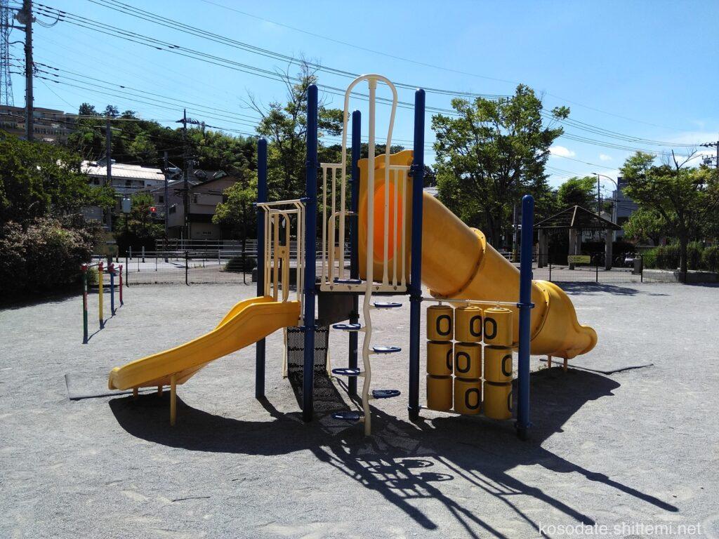 久本鴨居町公園 複合遊具