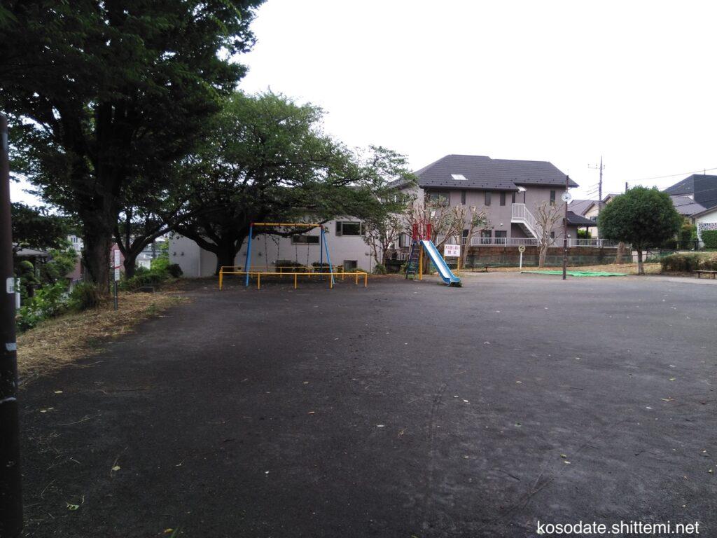 鷺沼第3公園 入り口からの全景